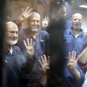 Ledande medlemmar inom Muslimska brödraskapet i fängelse år 2013.