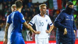 Jasse Tuominen ser besviken ut efter förlusten mot Italien.