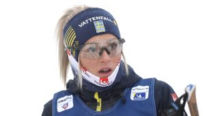 Frida Karlsson ser förvånad ut.