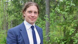 Martti Ahto sitter i styrelsen för Långvik Capital och är Roman Rotenbergs rådgivare. Här vill de bygga Selännehallen.