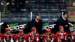 Ari-Pekka Pajuluoma fortsätter som chefstränare.