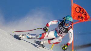 Schweiziska Wendy Holdener under ett störtloppsträningspass i Åre 2019.