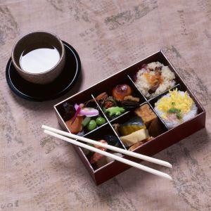 Bentolåda med sushi