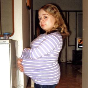 Linda raskaana