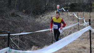 Matteus Hanhijärvi från Espoon Akilles på slutrakan.