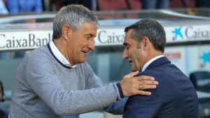 Quique Setién och Ernesto Valverde hälsar på varandra före en ligamatch 2018–19.
