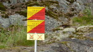 Gloskär hör till Skärgårdsmiljöstiftelsens naturskyddsområde. Begränsningstiden är 1.2-31.7.