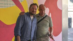 Vd Jacob Roos och artisten Tomas Nyberg