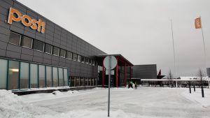 Postin Oulun jakelukeskus marraskuussa.
