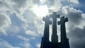 De tre korsen hör till Vilnius viktigaste symboler.
