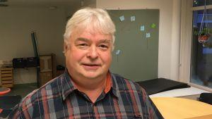 Ulf Eriksson, tf rektor vid Höjdens skola i Tenala.