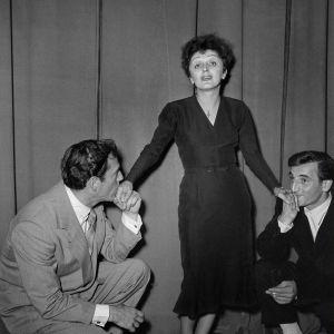 Fr.v. Eddie Constantine, Edith Piaf och Charles Aznavour 1 januari 1950.