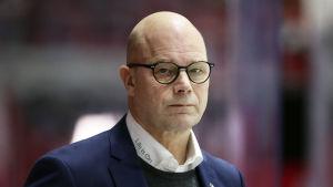 Risto Dufva står i båset.