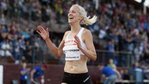 Camilla Richardsson tävlar på damernas 3 000 meter.