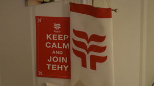 Tehys logo och kort med texten Keep calm and join Tehy.