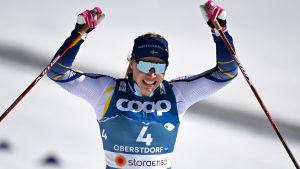 Jonna Sundling jublar efter VM-guldet 2021.