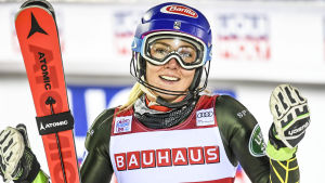 Mikaela Shiffrin vann slalomtävlingen i Levi i november.