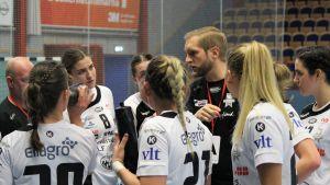 VästeråsIrstas tränare Frenne Båverud hösten 2018.