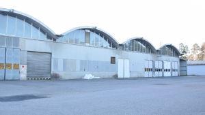 Fabriksbyggnad på Sisu Auto i Karis.