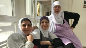 Porträttbild på Fatme Ibrahim, Mona Mahdi och Zaina Doulani.
