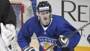 Alex Lintuniemi spelade EHT-hockey med Finland för ett par veckor sedan.