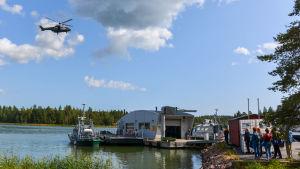 Räddningsövning med helikopter