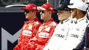 Kimi Räikkönen, Sebastian Vettel, Valtteri Bottas och Lewis Hamilton sitter bredvid varandra, våren 2017.