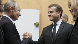 Vladimir Putin och Emmanuel Macron