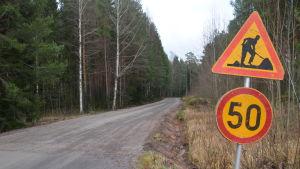 Trafikmärke vid Hopomvägen