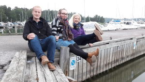 Peter Petrelius, Lotta Sundström och Nora Engström sände direkt från Nagu gästhamn
