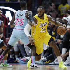 LeBron James i farten mot Miami Heat.
