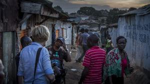 Kuvausryhmä Kiberan slummissa