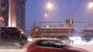 Trafikkaos i snöyran.