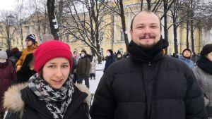 Aleksandr och Natasja beslöt att gå ut för att demonstrera eftersom de skäms för tillståndet i sitt land.