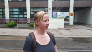 Eva Ekholm är nöjd med sitt fasta jobb