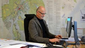 Stadsplaneringschefen i Borgå Eero Löytönen