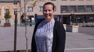 Åsa Björkman hoppas på en levande stad där alla åldersgrupper kan samsas och bi i centrum.