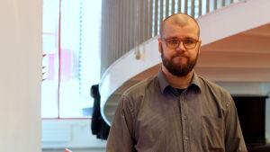 Henrik Hökman fördömer vålder som sker i samband med Vasa Sports hemmamatcher.