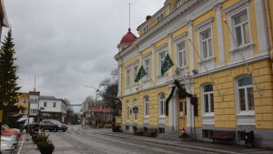 Raseborgs stadshus vid torget.