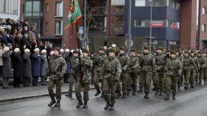 Försvarsmakten firar Finlands självständighet med riksparad i Tammerfors 2019.
