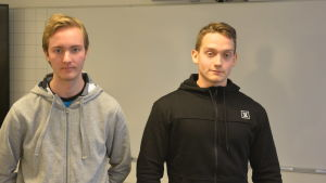 Staffan Bäckman och Oliver Höglund studerar vid Axxell.
