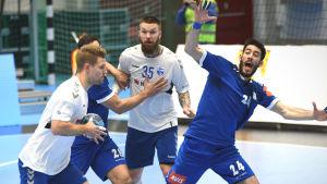 Finland kämpar mot Grekland i VM-kvalet i handboll.