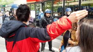 Polisen slog en järnring runt Place d'Italie där demonstrationen avslutades.