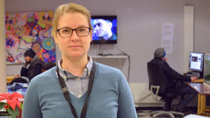 Nora Lindström, projektchef för dagcentret Hirundo i Helsingfors.