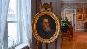 Runebergs porträtt i runebergs hem i borgå