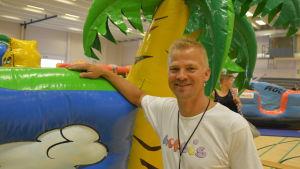 Jan Lundberg har grundat inomhuslekparken Hopsis tillsammans med sin familj.