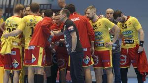 Cocksspelarna höjer på stämningen inför ligamatchen mot GrIFK hösten 2019.