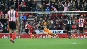 Jermain Defoe gör straffmål mot Simon Mignolet, Sunderland-Liverpool, januari 2017.