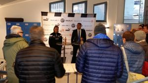 Mika Laurikainen (TPS) och Shefki Kuqi (Inter Turku) blir utfrågade av pressen efter ligakvalet och Åboderbyt 26.10.2016.