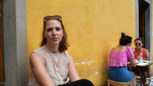 Veronica Blomkvist guidar i vanliga fall turister mellan Florens unika konstskatter från morgon till kväll den här perioden på året.
